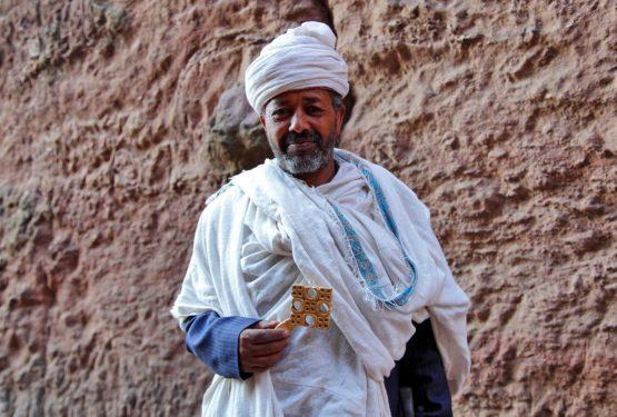 Äthiopien Reisen - Mönch in Lalibela