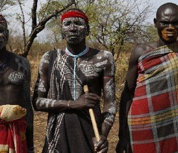 Allestour - Kulturreise Äthiopien - Mursi Männer